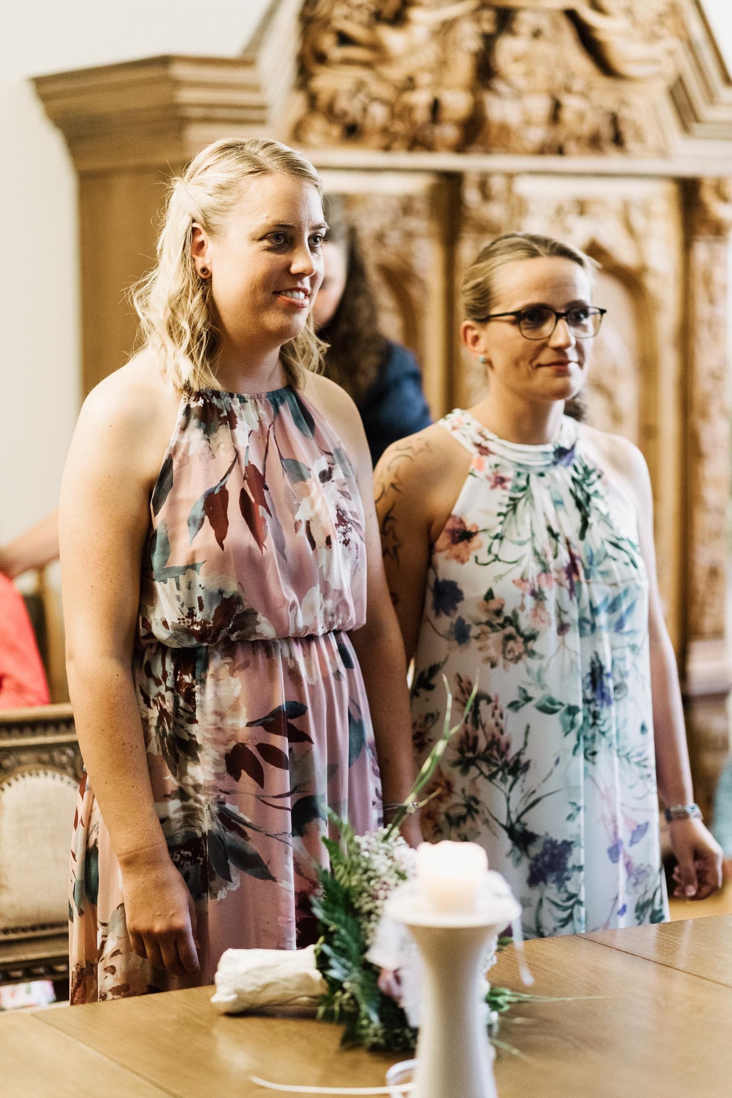 Hochzeit-Elena-Sandra-10a-1 Elena & Sandra - gleichgeschlechtliche Hochzeit bei Hameln Hochzeitreportage