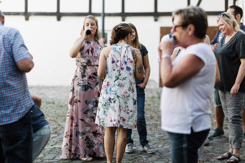 Hochzeit-Elena-Sandra-24-1 Elena & Sandra - gleichgeschlechtliche Hochzeit bei Hameln Hochzeitreportage
