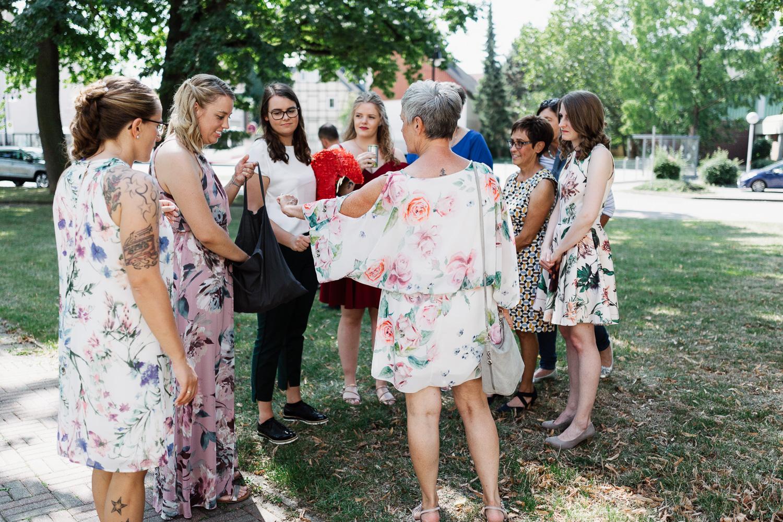 Hochzeit-Elena-Sandra-30-1 Elena & Sandra - gleichgeschlechtliche Hochzeit bei Hameln Hochzeitreportage