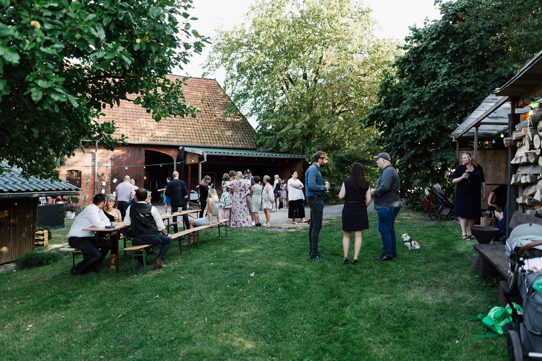 Hochzeit-Elena-Sandra-33-1 Elena & Sandra - gleichgeschlechtliche Hochzeit bei Hameln Hochzeitreportage