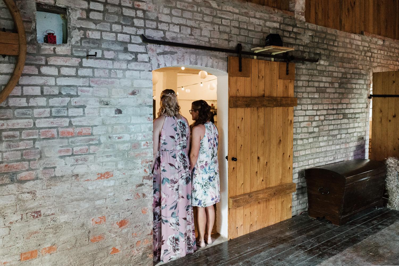 Hochzeit-Elena-Sandra-44-1 Elena & Sandra - gleichgeschlechtliche Hochzeit bei Hameln Hochzeitreportage