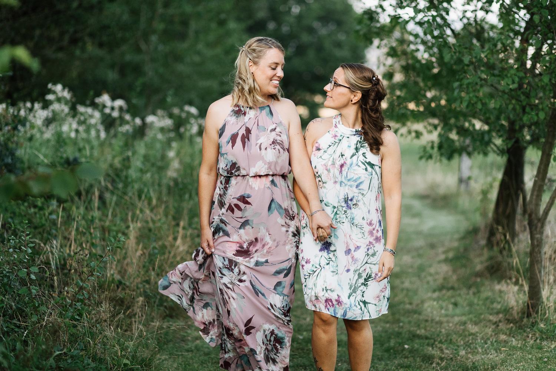 Hochzeit-Elena-Sandra-56-1 Elena & Sandra - gleichgeschlechtliche Hochzeit bei Hameln Hochzeitreportage