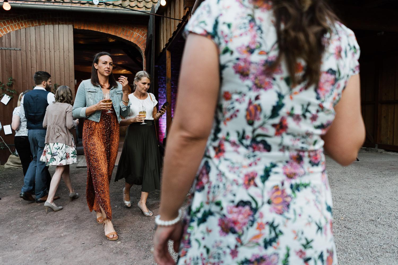 Hochzeit-Elena-Sandra-64-1 Elena & Sandra - gleichgeschlechtliche Hochzeit bei Hameln Hochzeitreportage
