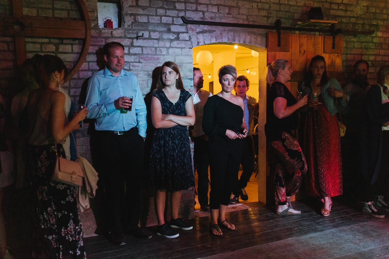 Hochzeit-Elena-Sandra-72-1 Elena & Sandra - gleichgeschlechtliche Hochzeit bei Hameln Hochzeitreportage