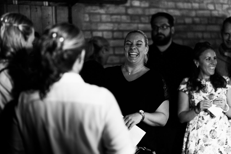 Hochzeit-Elena-Sandra-83-1 Elena & Sandra - gleichgeschlechtliche Hochzeit bei Hameln Hochzeitreportage