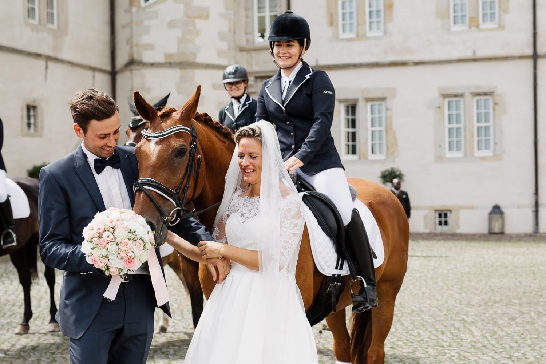 Julia-Benno-Hochzeitsreportage-75 Märchen-Hochzeit auf Schloss Schwöbber Hochzeitreportage