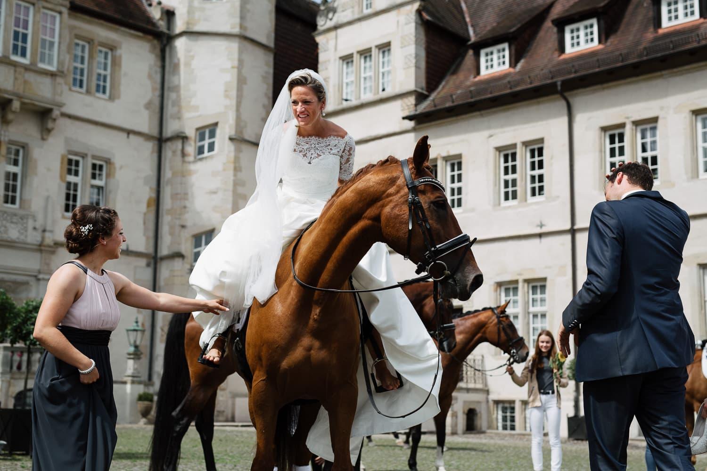 Julia-Benno-Hochzeitsreportage-77 Märchen-Hochzeit auf Schloss Schwöbber Hochzeitreportage