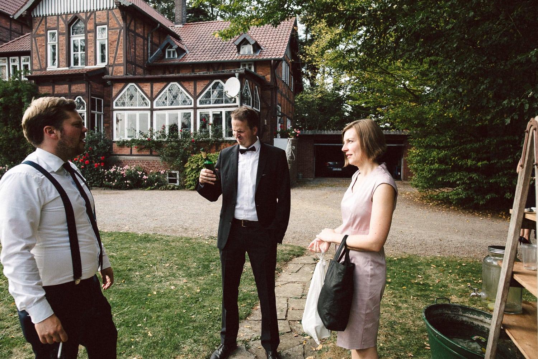 Sarah-Sven-Hochzeitsreportage-101 Yogalehrerin heiratet Handball Trainer Hochzeitreportage