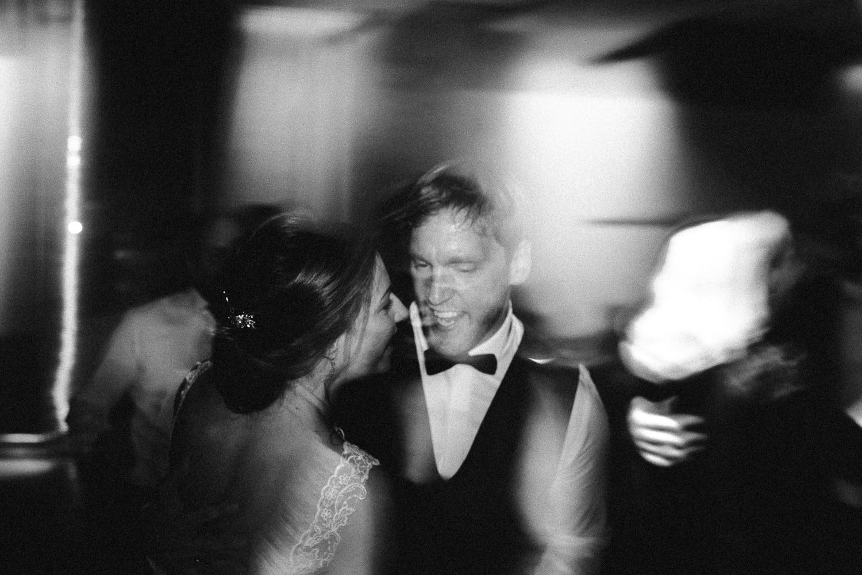 Sarah-Sven-Hochzeitsreportage-110 Yogalehrerin heiratet Handball Trainer Hochzeitreportage