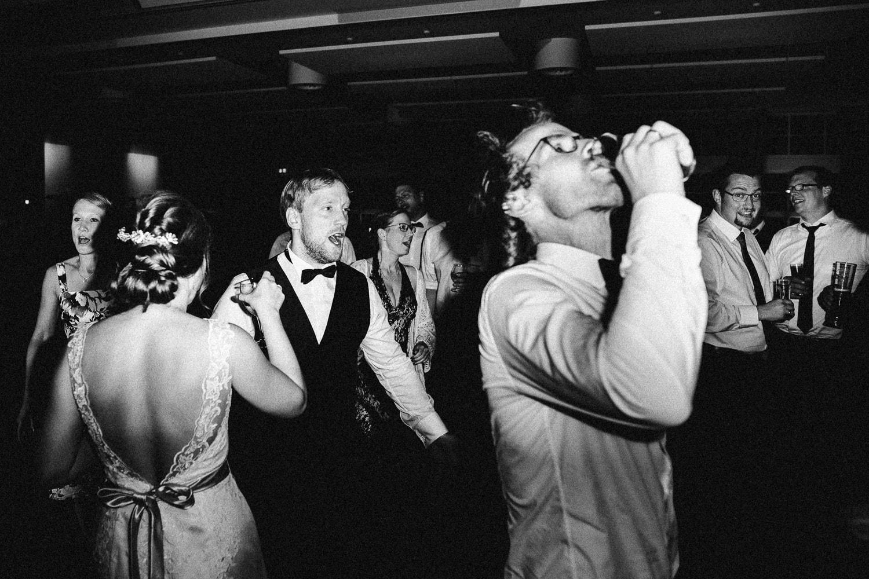 Sarah-Sven-Hochzeitsreportage-115 Yogalehrerin heiratet Handball Trainer Hochzeitreportage