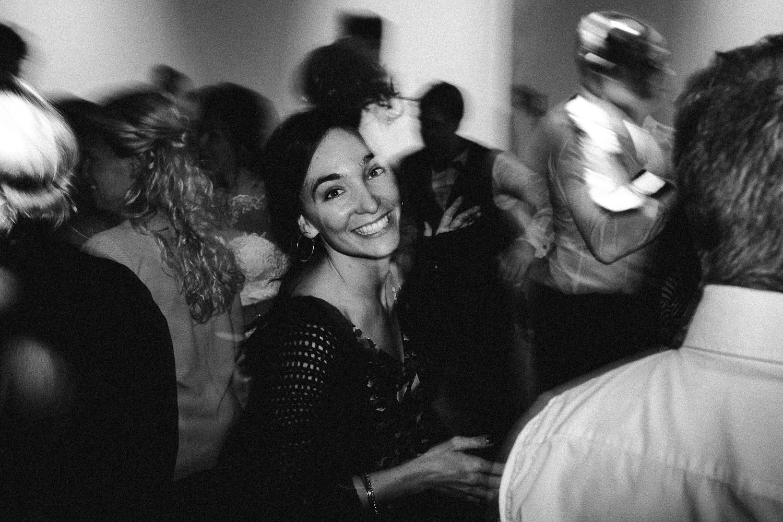 Sarah-Sven-Hochzeitsreportage-116 Yogalehrerin heiratet Handball Trainer Hochzeitreportage