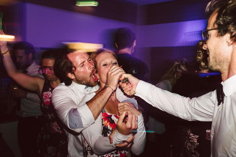 Sarah-Sven-Hochzeitsreportage-129 Yogalehrerin heiratet Handball Trainer Hochzeitreportage