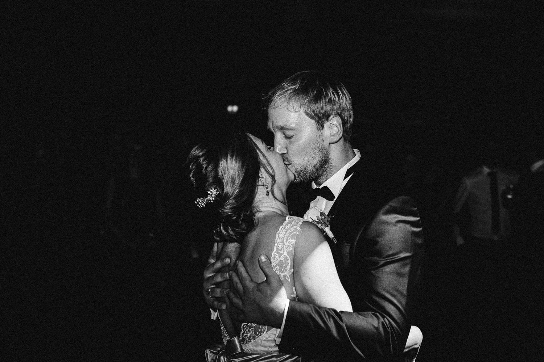 Sarah-Sven-Hochzeitsreportage-130 Yogalehrerin heiratet Handball Trainer Hochzeitreportage