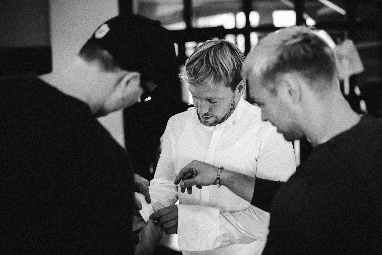 Sarah-Sven-Hochzeitsreportage-37 Yogalehrerin heiratet Handball Trainer Hochzeitreportage