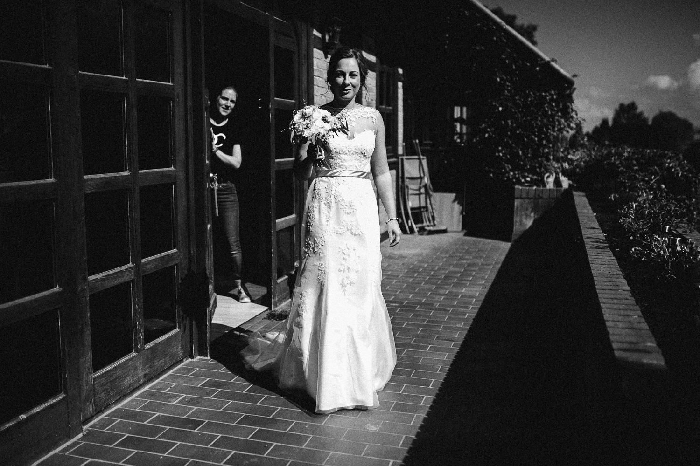 Sarah-Sven-Hochzeitsreportage-42 Yogalehrerin heiratet Handball Trainer Hochzeitreportage