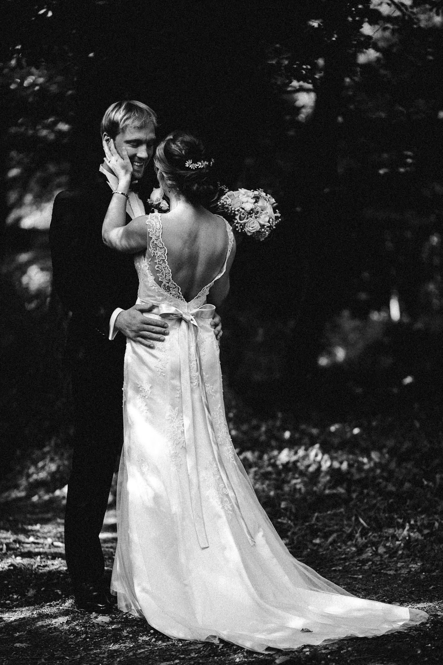 Sarah-Sven-Hochzeitsreportage-45a Yogalehrerin heiratet Handball Trainer Hochzeitreportage