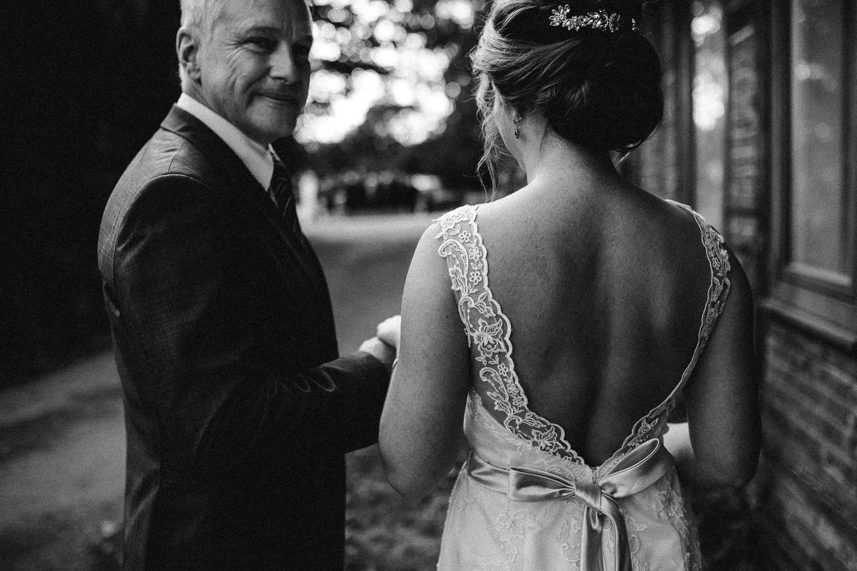 Sarah-Sven-Hochzeitsreportage-71 Yogalehrerin heiratet Handball Trainer Hochzeitreportage
