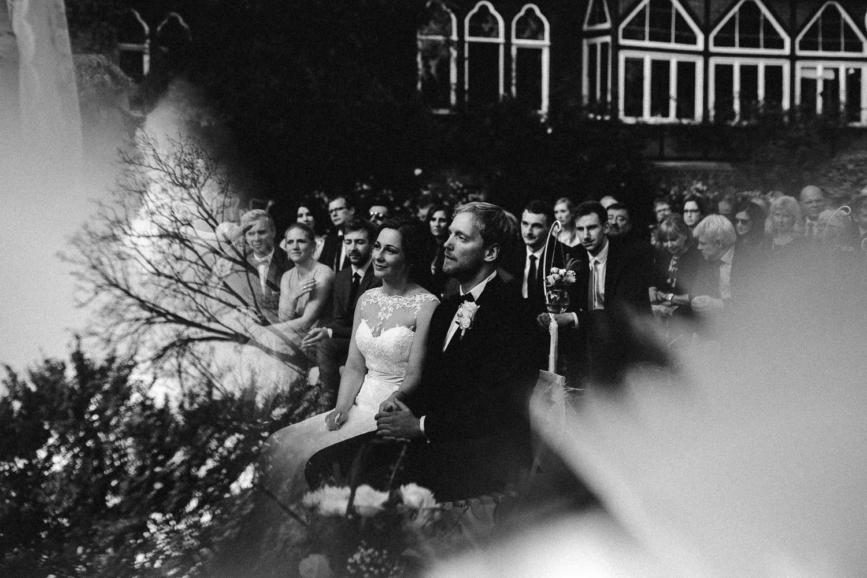 Sarah-Sven-Hochzeitsreportage-80 Yogalehrerin heiratet Handball Trainer Hochzeitreportage
