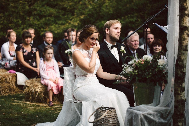 Sarah-Sven-Hochzeitsreportage-82 Yogalehrerin heiratet Handball Trainer Hochzeitreportage