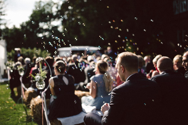 Sarah-Sven-Hochzeitsreportage-86 Yogalehrerin heiratet Handball Trainer Hochzeitreportage