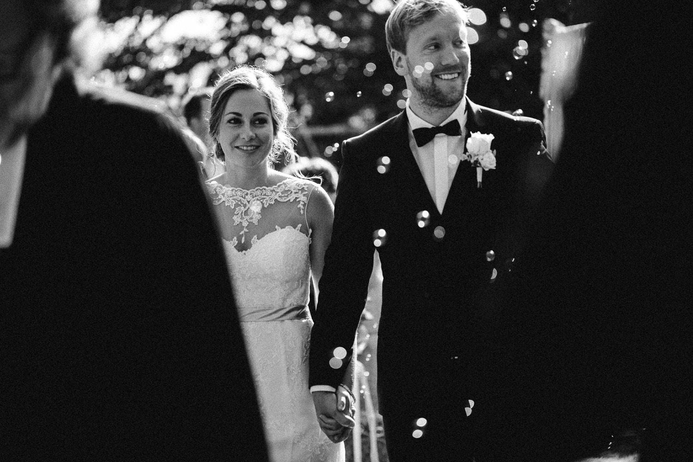 Sarah-Sven-Hochzeitsreportage-87 Yogalehrerin heiratet Handball Trainer Hochzeitreportage
