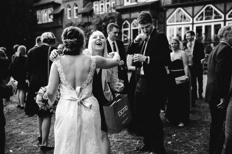 Sarah-Sven-Hochzeitsreportage-94 Yogalehrerin heiratet Handball Trainer Hochzeitreportage