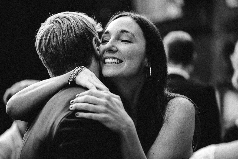 Sarah-Sven-Hochzeitsreportage-95 Yogalehrerin heiratet Handball Trainer Hochzeitreportage