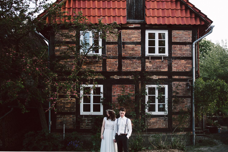 Vanessa-Nicholas-Hochzeitsreportage-107 Vanessa & Nicholas - freie Trauung in der Mosterei Ockensen Hochzeitreportage