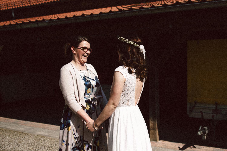 Vanessa-Nicholas-Hochzeitsreportage-48 Vanessa & Nicholas - freie Trauung in der Mosterei Ockensen Hochzeitreportage