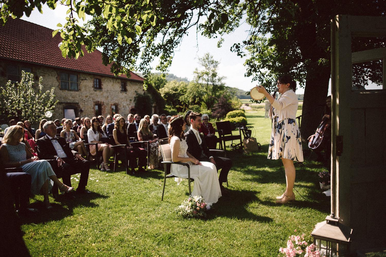 Vanessa-Nicholas-Hochzeitsreportage-59 Vanessa & Nicholas - freie Trauung in der Mosterei Ockensen Hochzeitreportage