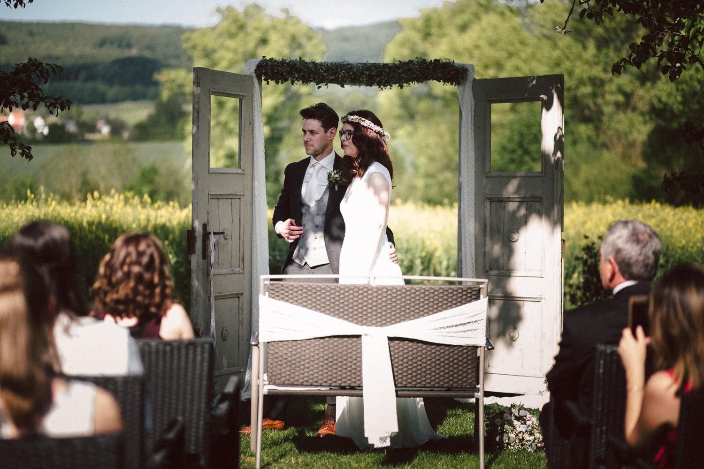 Vanessa-Nicholas-Hochzeitsreportage-74 Vanessa & Nicholas - freie Trauung in der Mosterei Ockensen Hochzeitreportage