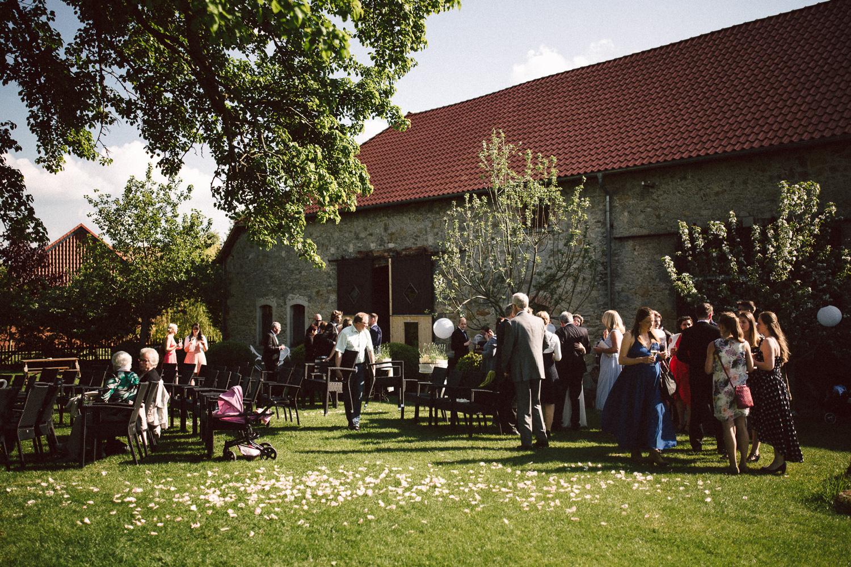 Vanessa-Nicholas-Hochzeitsreportage-86 Vanessa & Nicholas - freie Trauung in der Mosterei Ockensen Hochzeitreportage