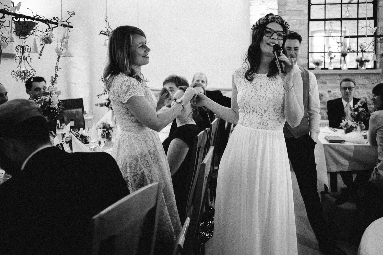 Vanessa-Nicholas-Hochzeitsreportage-97 Vanessa & Nicholas - freie Trauung in der Mosterei Ockensen Hochzeitreportage