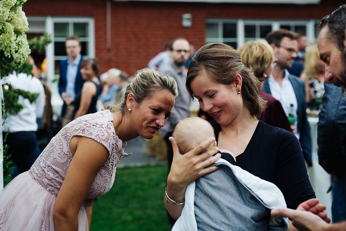 Hochzeitsfotograf-Hameln-Hochzeitsfotografie-Bad-Münder-Springe-Bielefeld-Hannover-12 Julia & Benno - Wenn der Polterabend zur Hochzeitsparty wird Hochzeitreportage