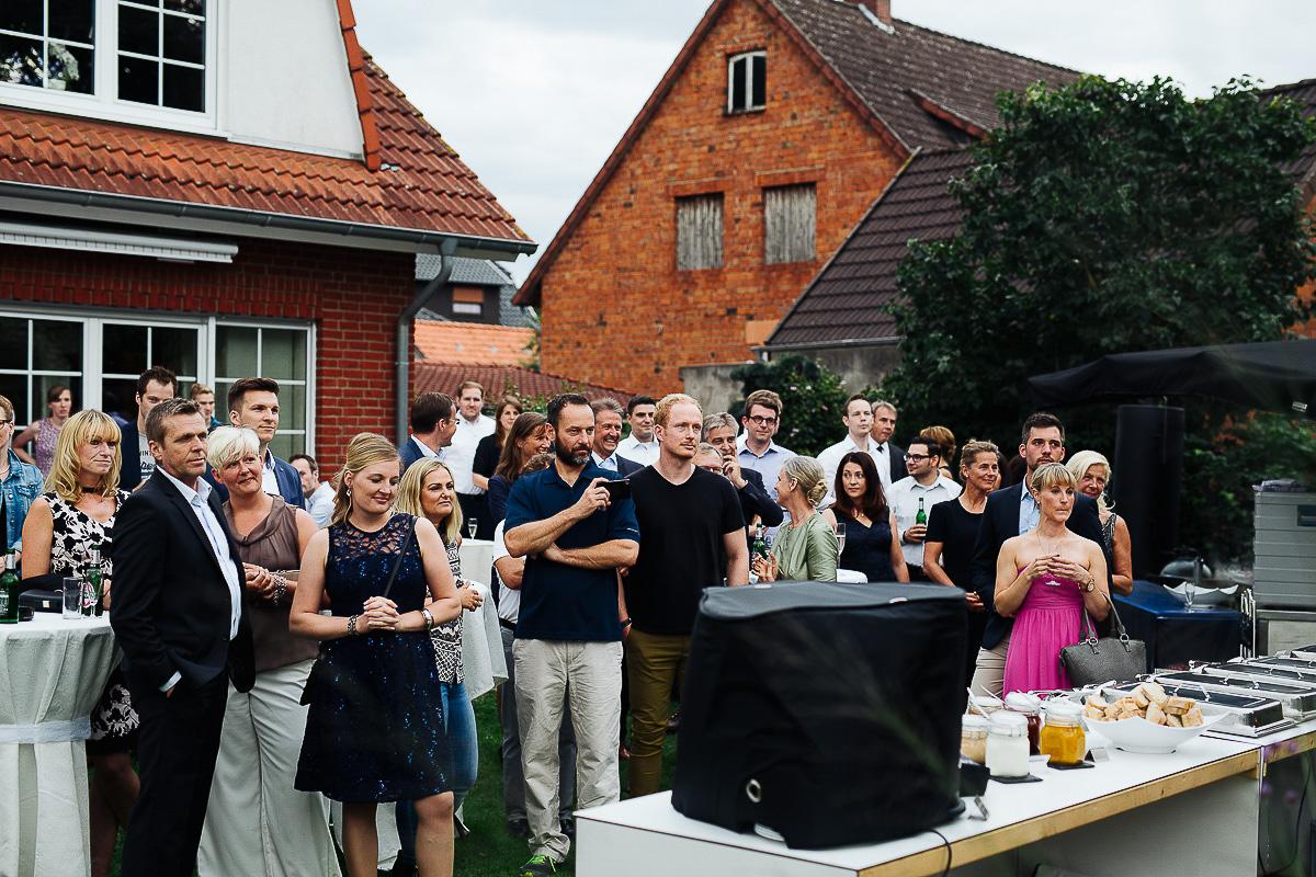 Hochzeitsfotograf-Hameln-Hochzeitsfotografie-Bad-Münder-Springe-Bielefeld-Hannover-14 Julia & Benno - Wenn der Polterabend zur Hochzeitsparty wird Hochzeitreportage