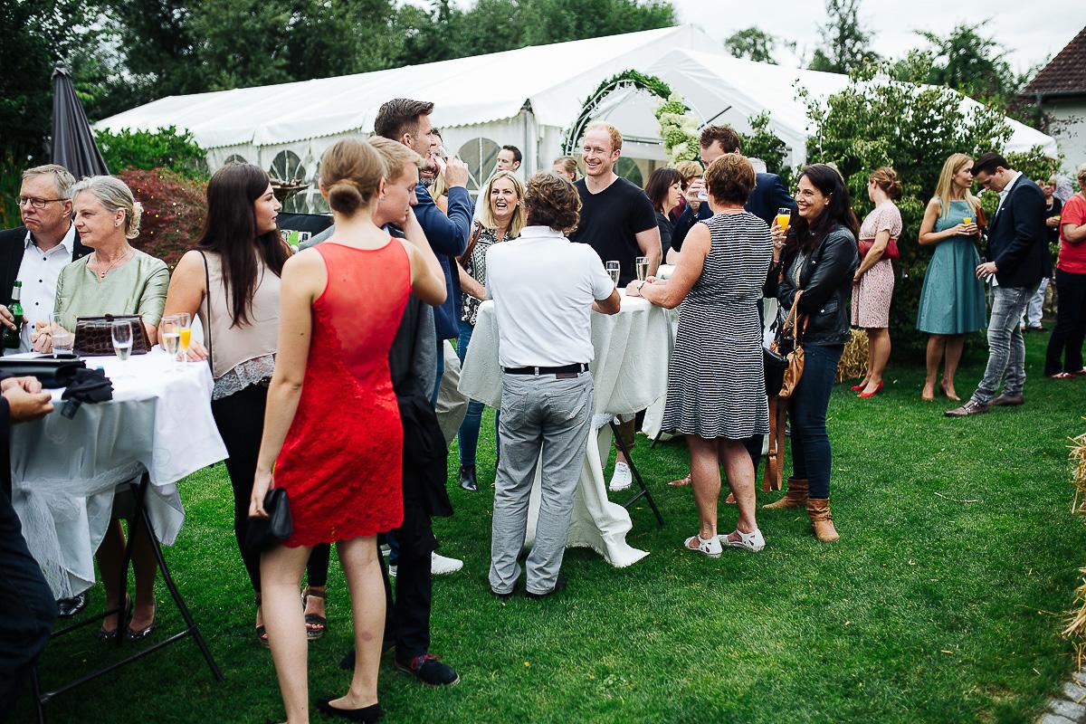 Hochzeitsfotograf-Hameln-Hochzeitsfotografie-Bad-Münder-Springe-Bielefeld-Hannover-19 Julia & Benno - Wenn der Polterabend zur Hochzeitsparty wird Hochzeitreportage