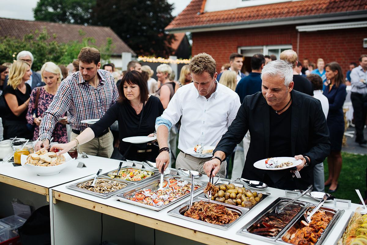 Hochzeitsfotograf-Hameln-Hochzeitsfotografie-Bad-Münder-Springe-Bielefeld-Hannover-22 Julia & Benno - Wenn der Polterabend zur Hochzeitsparty wird Hochzeitreportage