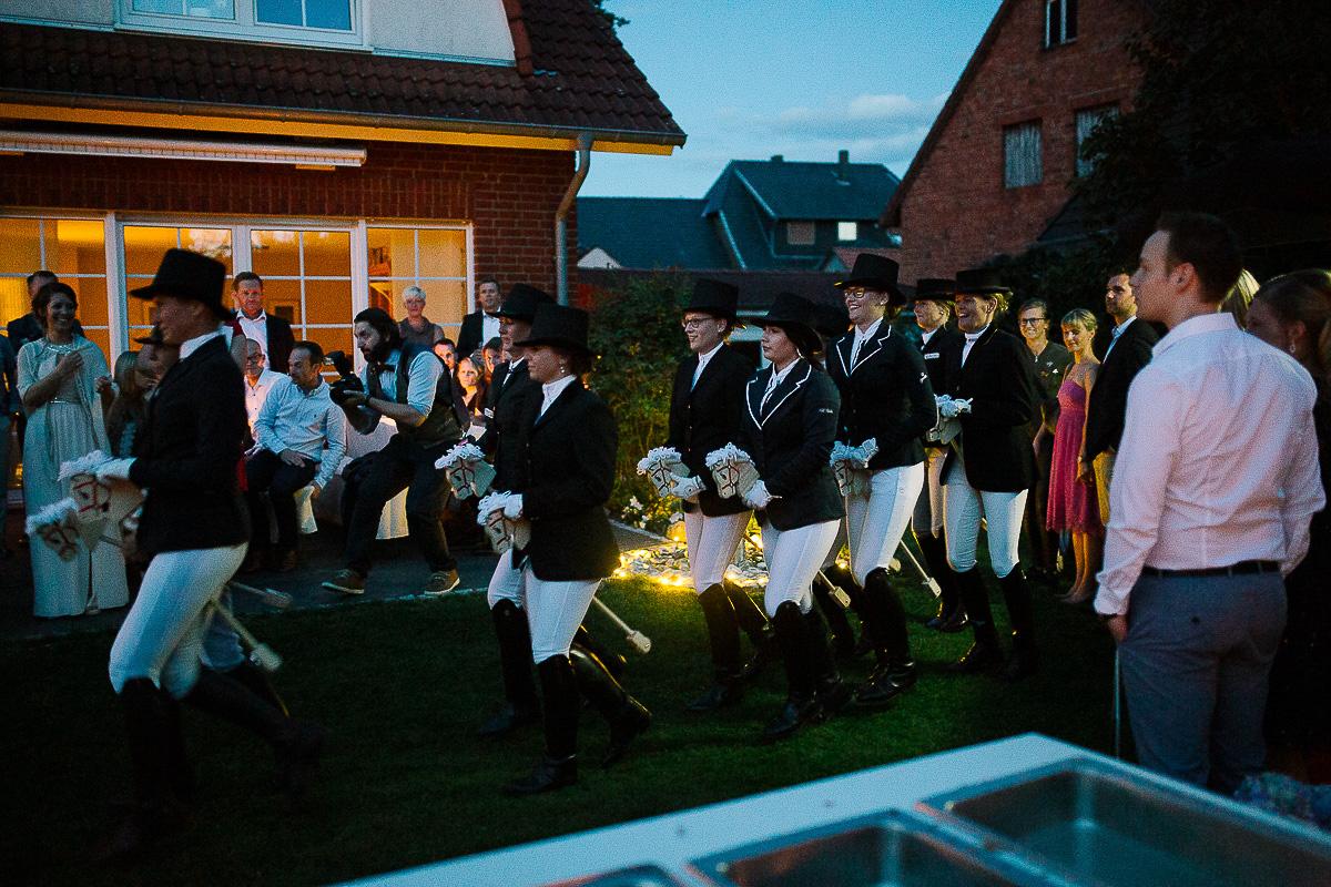 Hochzeitsfotograf-Hameln-Hochzeitsfotografie-Bad-Münder-Springe-Bielefeld-Hannover-41 Julia & Benno - Wenn der Polterabend zur Hochzeitsparty wird Hochzeitreportage