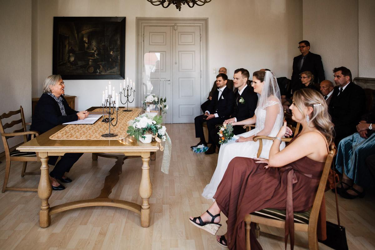 Hochzeitsfotograf-Hameln-Hochzeitsfotografie-Bad-Muender-Springe-Bielefeld-Hannover-Weserbergland-14 Annika & Julius - Corona Herbsthochzeit im Weserbergland Hochzeitreportage
