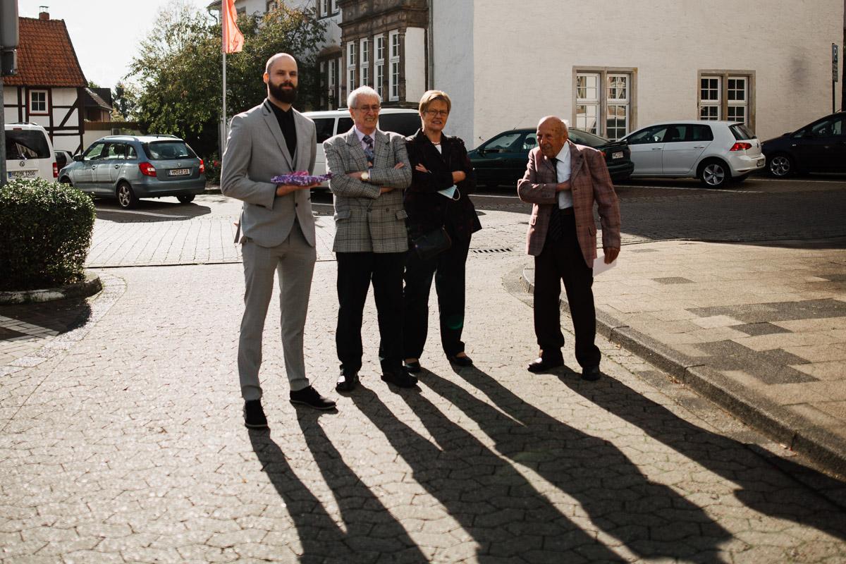 Hochzeitsfotograf-Hameln-Hochzeitsfotografie-Bad-Muender-Springe-Bielefeld-Hannover-Weserbergland-21 Annika & Julius - Corona Herbsthochzeit im Weserbergland Hochzeitreportage