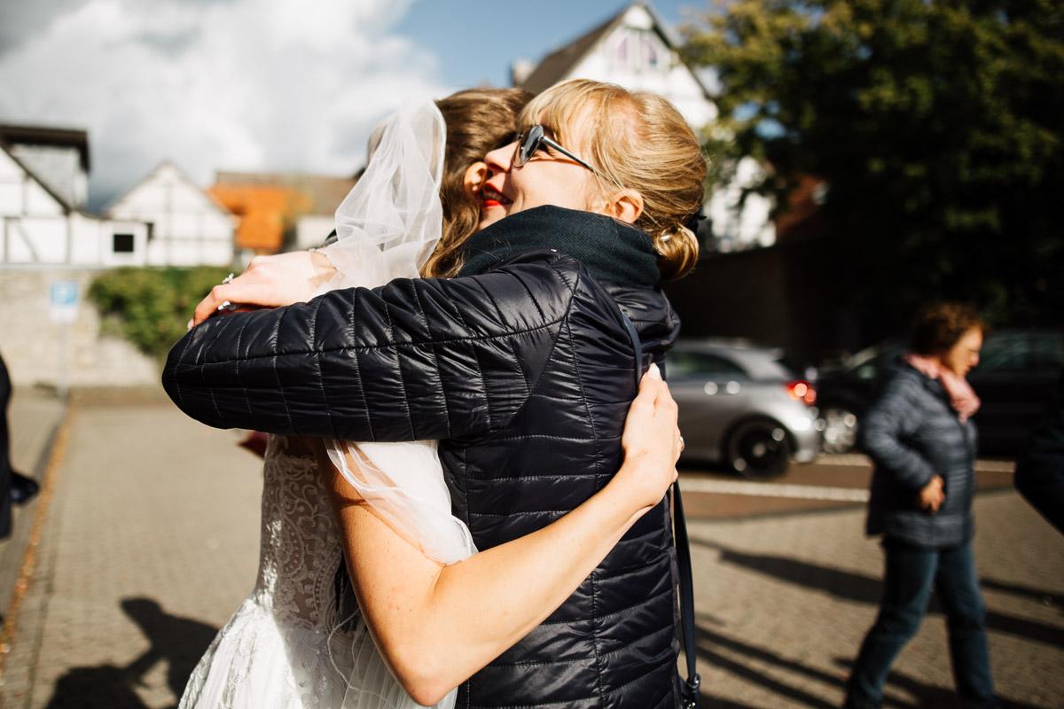 Hochzeitsfotograf-Hameln-Hochzeitsfotografie-Bad-Muender-Springe-Bielefeld-Hannover-Weserbergland-22 Annika & Julius - Corona Herbsthochzeit im Weserbergland Hochzeitreportage