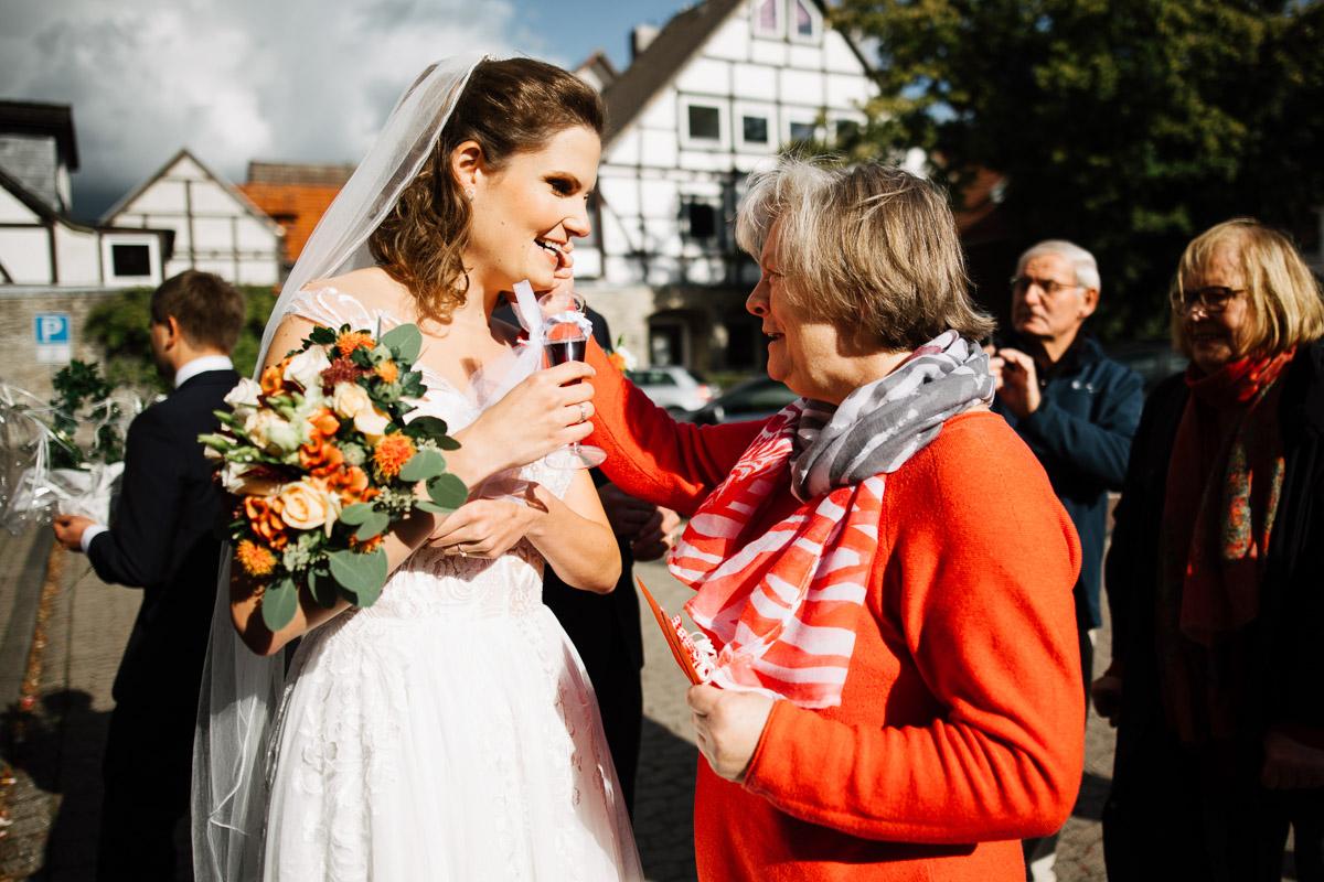 Hochzeitsfotograf-Hameln-Hochzeitsfotografie-Bad-Muender-Springe-Bielefeld-Hannover-Weserbergland-25 Annika & Julius - Corona Herbsthochzeit im Weserbergland Hochzeitreportage