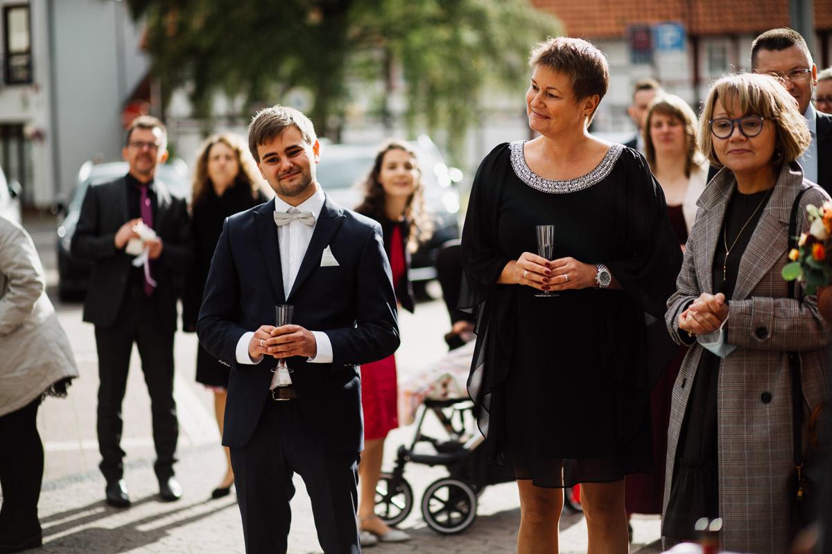 Hochzeitsfotograf-Hameln-Hochzeitsfotografie-Bad-Muender-Springe-Bielefeld-Hannover-Weserbergland-26 Annika & Julius - Corona Herbsthochzeit im Weserbergland Hochzeitreportage