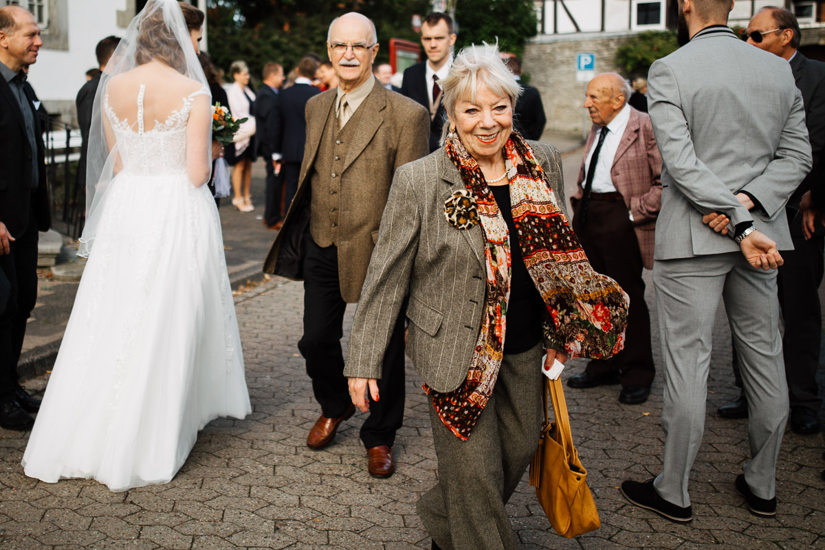 Hochzeitsfotograf-Hameln-Hochzeitsfotografie-Bad-Muender-Springe-Bielefeld-Hannover-Weserbergland-27 Annika & Julius - Corona Herbsthochzeit im Weserbergland Hochzeitreportage