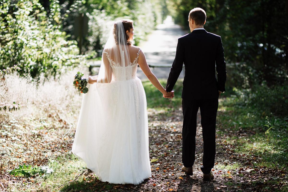 Hochzeitsfotograf-Hameln-Hochzeitsfotografie-Bad-Muender-Springe-Bielefeld-Hannover-Weserbergland-33 Annika & Julius - Corona Herbsthochzeit im Weserbergland Hochzeitreportage