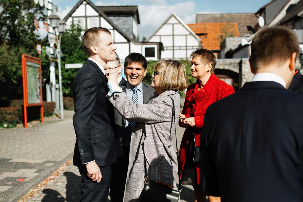 Hochzeitsfotograf-Hameln-Hochzeitsfotografie-Bad-Muender-Springe-Bielefeld-Hannover-Weserbergland-4 Annika & Julius - Corona Herbsthochzeit im Weserbergland Hochzeitreportage