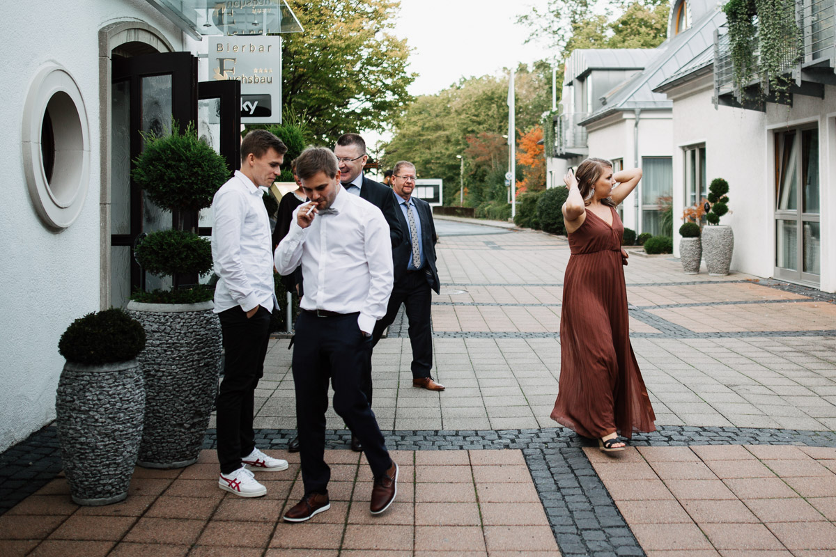 Hochzeitsfotograf-Hameln-Hochzeitsfotografie-Bad-Muender-Springe-Bielefeld-Hannover-Weserbergland-44 Annika & Julius - Corona Herbsthochzeit im Weserbergland Hochzeitreportage