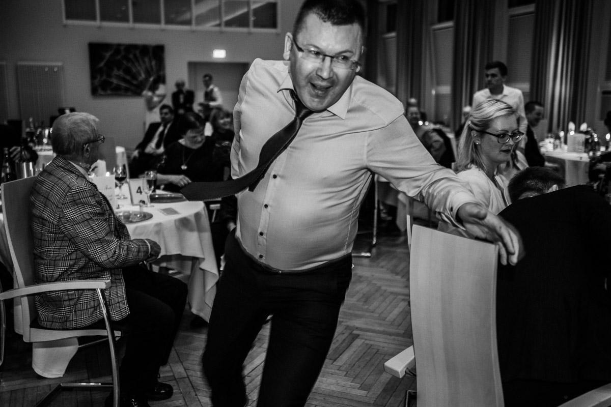 Hochzeitsfotograf-Hameln-Hochzeitsfotografie-Bad-Muender-Springe-Bielefeld-Hannover-Weserbergland-52 Annika & Julius - Corona Herbsthochzeit im Weserbergland Hochzeitreportage