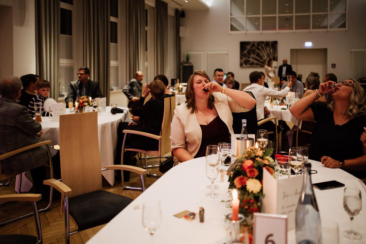 Hochzeitsfotograf-Hameln-Hochzeitsfotografie-Bad-Muender-Springe-Bielefeld-Hannover-Weserbergland-53 Annika & Julius - Corona Herbsthochzeit im Weserbergland Hochzeitreportage
