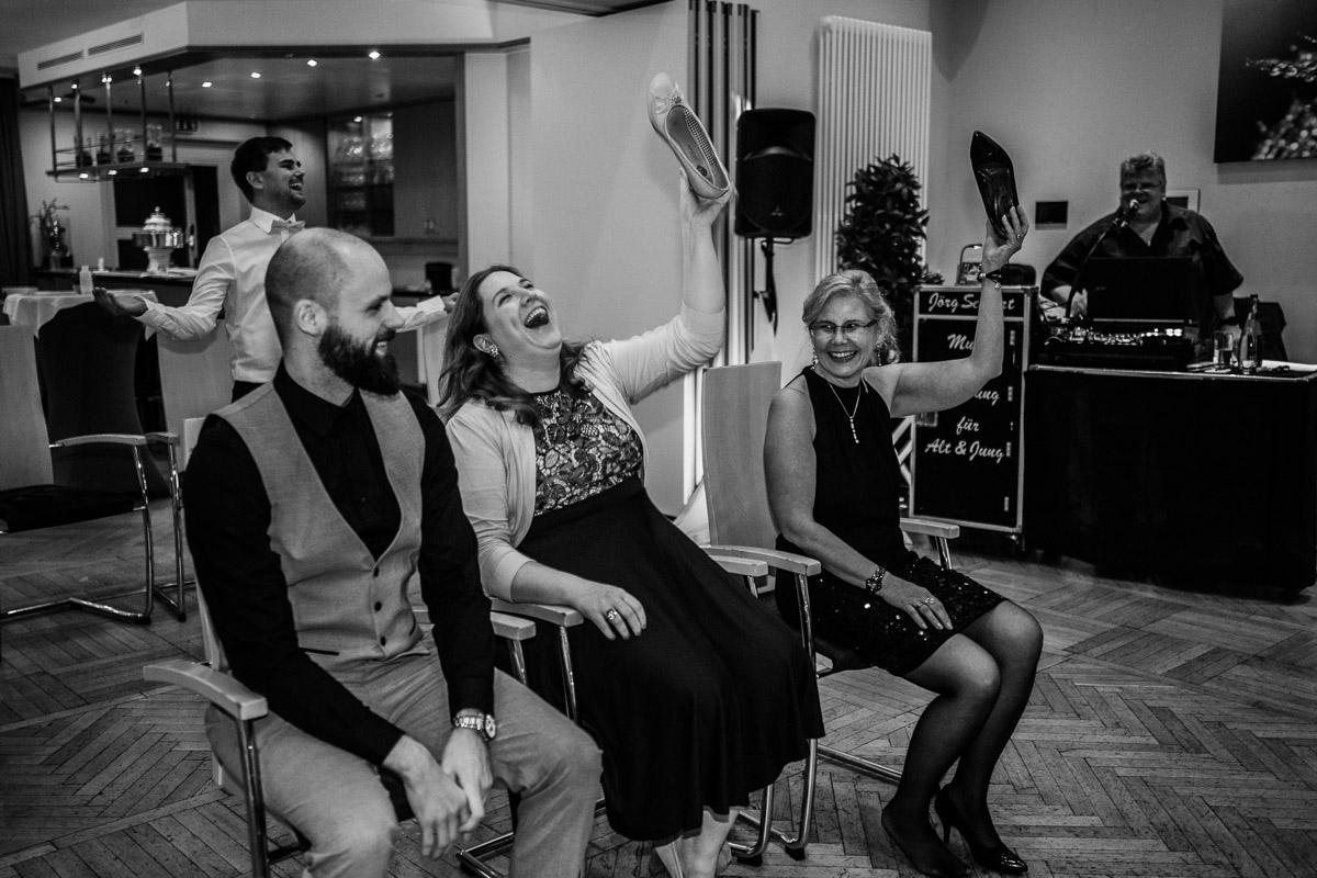 Hochzeitsfotograf-Hameln-Hochzeitsfotografie-Bad-Muender-Springe-Bielefeld-Hannover-Weserbergland-54 Annika & Julius - Corona Herbsthochzeit im Weserbergland Hochzeitreportage